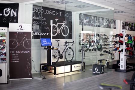Interior del Scott Concept Store-Cyclon Zaragoza.