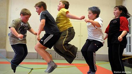 Resultado de imagen de obesidad infantil y deporte