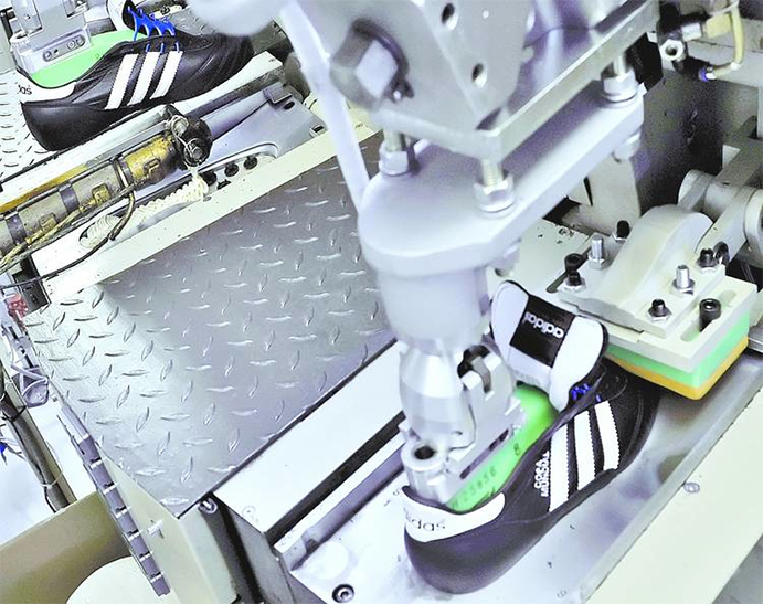 Adidas planea automatizar la producción y trasladarla a Europa