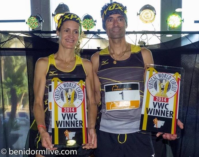 Los hermanos Ángel y Rosi Llorens, tras ganar en la carrera Subida al Gran Hotel Bali de Benidorm en 2014.
