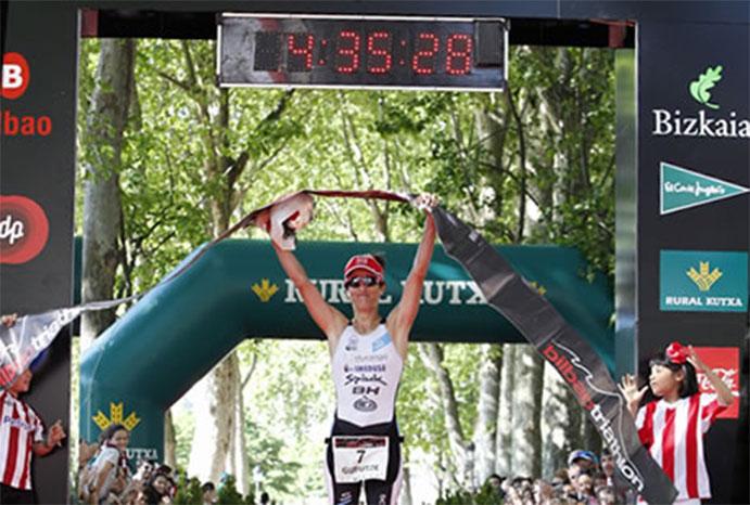 Gustavo Rodríguez y Gurutze Frades vencen en el Bilbao Triathlon
