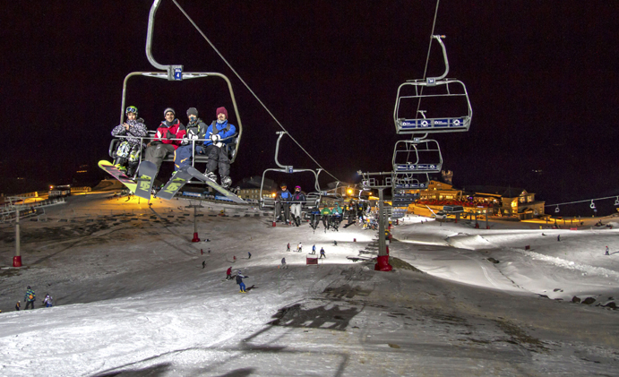 Sierra Nevada vuelve a convocar 12 horas de esquí 'non-stop'