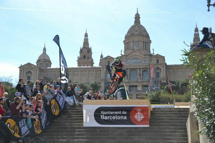 Los mejores descenders del mundo se retarán en el Buff Down Urban Barcelona