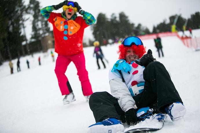 Vallnord regala el forfait a los esquiadores disfrazados
