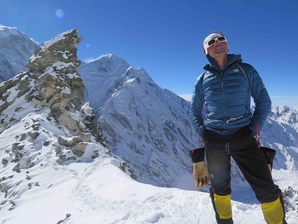 Simone Moro y Alex Txikon logran el primer ascenso invernal al Nanga Parbat