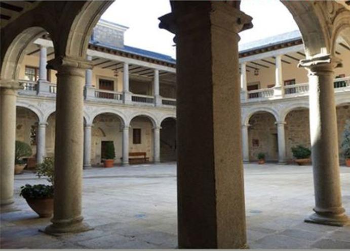 Masterclass de ciclo indoor en un castillo de Ávila