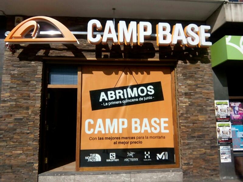 Camp Base ultima su apertura en el histórico local de Landher