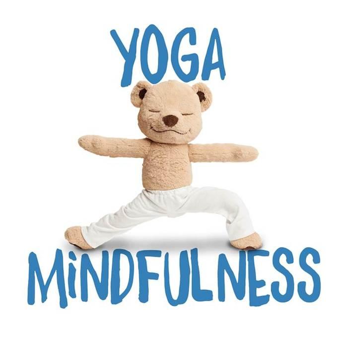 Lanzan un peluche para enseñar Yoga a los niños