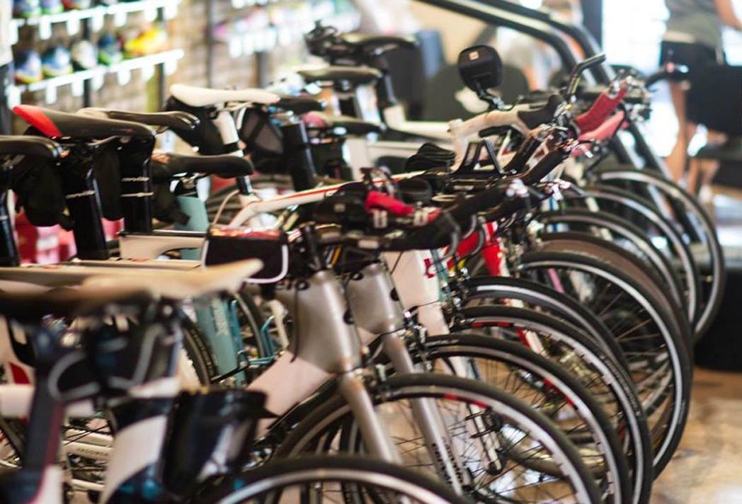 Tiendas de ciclismo sientan las bases para crear una asociación