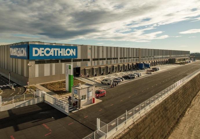 Decathlon inaugura su nuevo centro logístico de 40.000 metros cuadrados en Barcelona