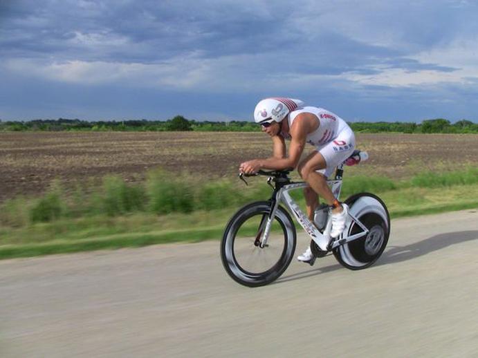 Compra una nueva bici de 11.000 euros y su mujer le pide el divorcio