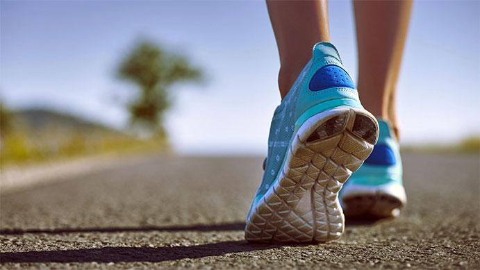 100 gramos de más en una zapatilla pueden hacernos correr un minuto más lento