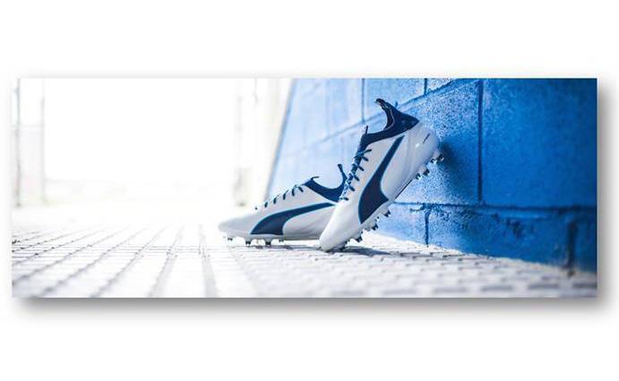 Nuevo diseño azul y blanco para las botas de fútbol Evotouch de Puma
