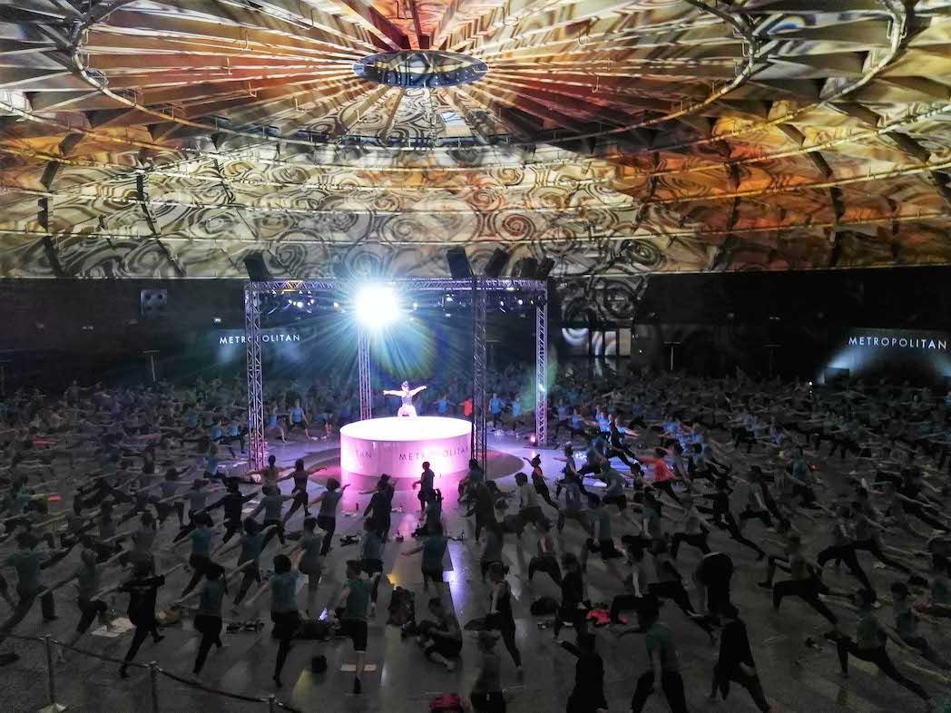 Metropolitan realiza la mayor Master Class de yoga indoor de Barcelona