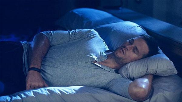 Crean un pijama que ayuda a recuperar los músculos mientras duermes