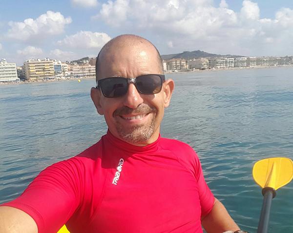 Jordi Rascado se propone escribir la historia del patín a vela de Calafell