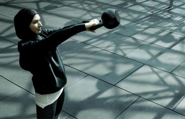 Nike recibe críticas en las redes sociales por su hijab