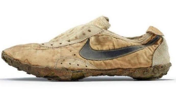 Compran unas zapatillas Nike por 11.000 euros