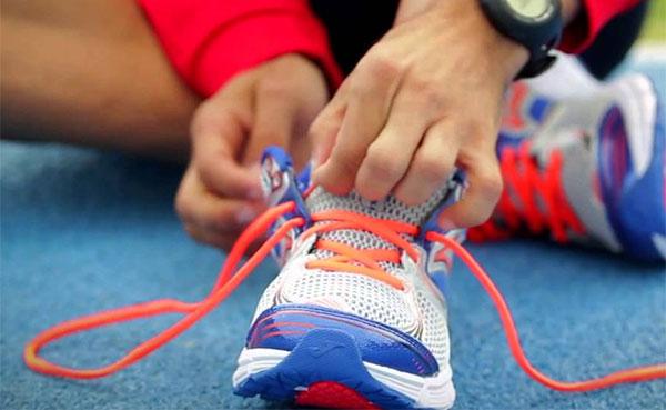 12 formas de atar las zapatillas de running