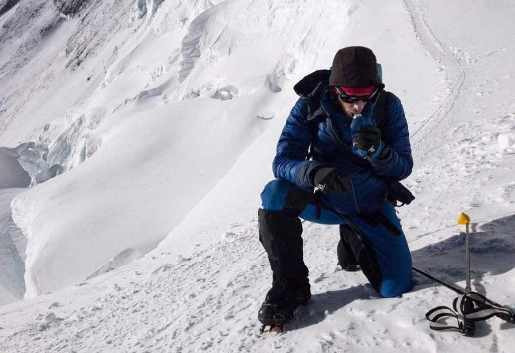 Kilian Jornet corona el Everest en 26 horas y sin oxígeno