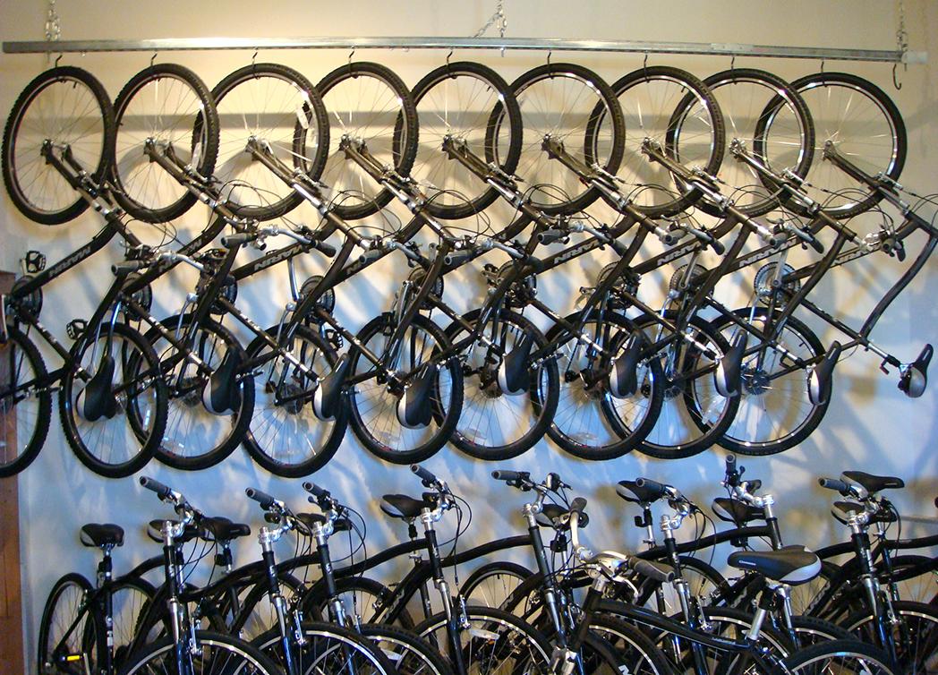Las tiendas de ciclismo confían en que se suavicen las programaciones