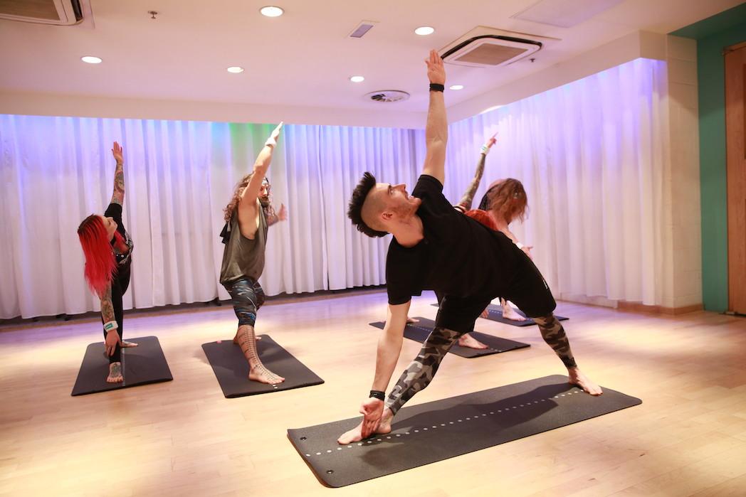 Llega a España la primera sesión de Rock Yoga