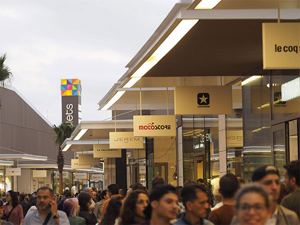 Viladecans the style outlets abrir sus puertas el 27 de for Oficinas nike madrid