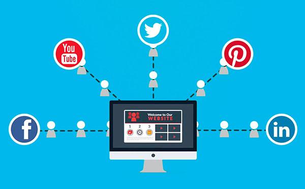 ¿Web o redes sociales? Mejor sumar que escoger