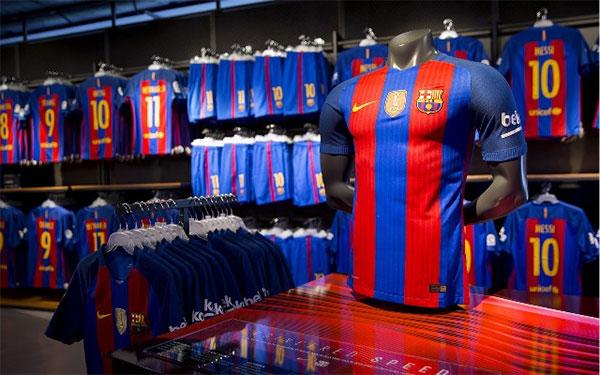 Europa investiga a Nike por posibles restricciones en la venta de merchandising
