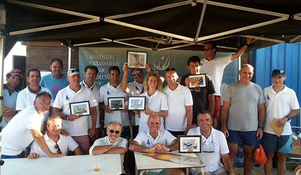 En la edición 2017 de la Regata Mosquito, organizada por el Club Náutico Punta Umbría tomaron parte un total de 16 patinistas, de los cuales sólo uno era mujer, concretamente la patrona del Club Vela Matalascañas, Susana Pérez.