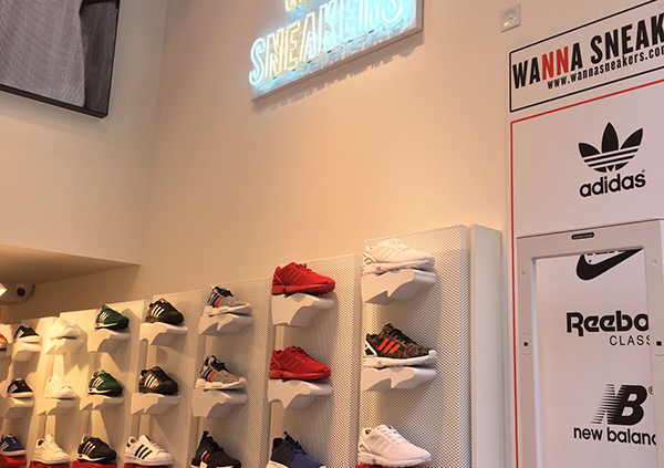 Base Esports Estel ultima la primera Wanna Sneakers de Cataluña