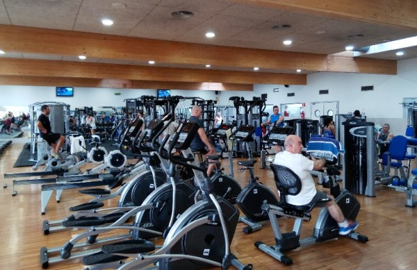 bh fitness renueva el complex municipal piscines de sant