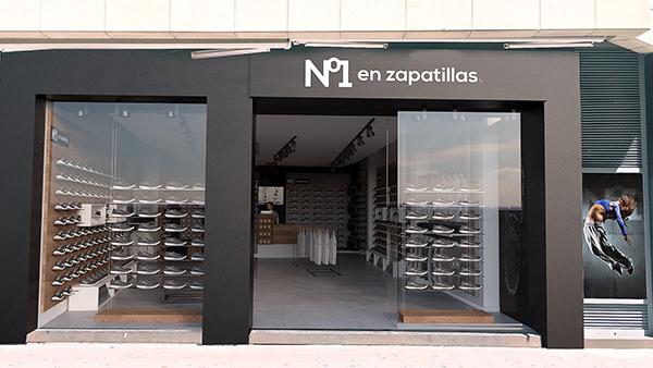 Nº 1 en zapatillas alcanza las 10 tiendas