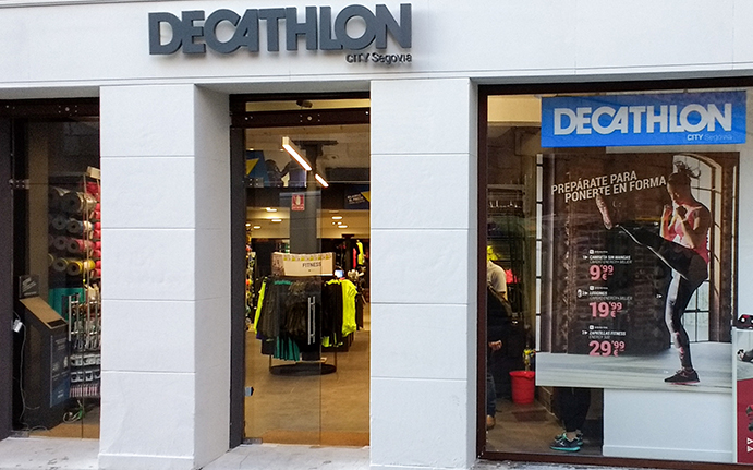 Decathlon supera las 160 tiendas tras una nueva apertura en Segovia