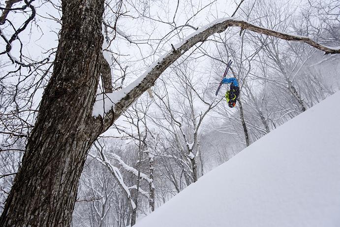 El esquiador Mike Douglas inaugura la nueva temporada de Salomon TV