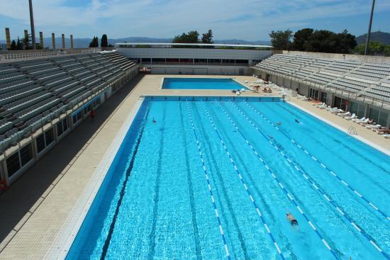 Los centros multideporte mantienen a flote los clubes catalanes de natación