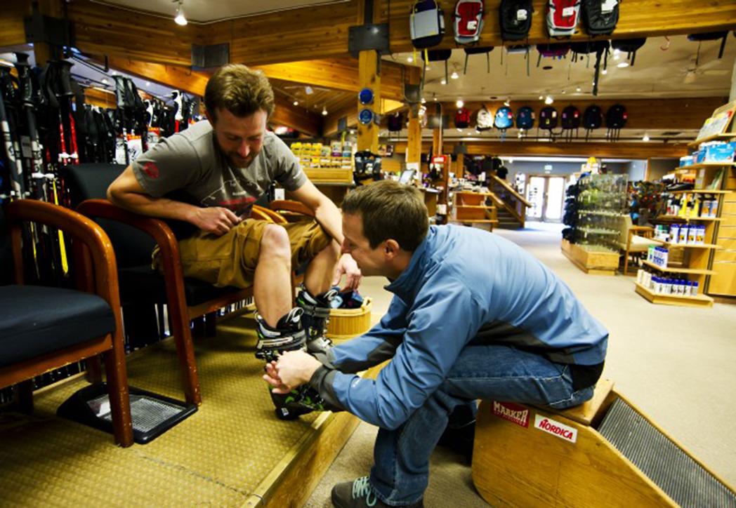¿Por qué comprar las botas de esquí en una tienda offline?