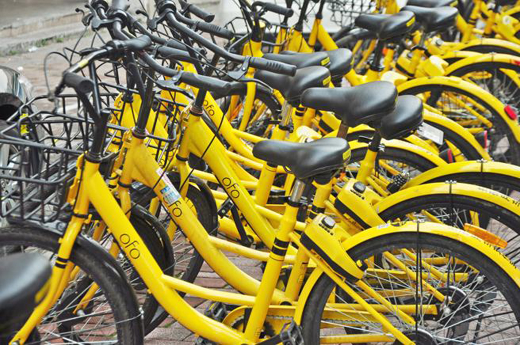 Tiendas de Madrid piden una regulación ante la 'anarquía' del bike sharing