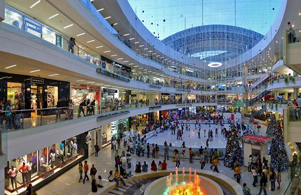¿Están perdiendo atractivo los centros comerciales?