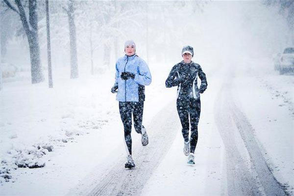Cómo abrigarse para salir a correr con bajas temperaturas