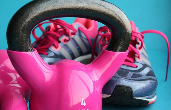 Running o hacer pesas ¿cómo se quema más grasa?
