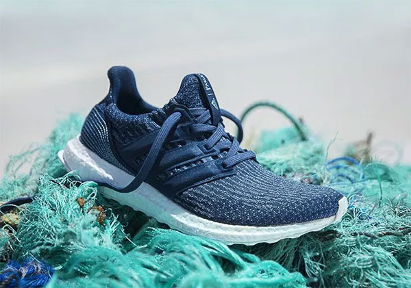 Adidas vende un millón de zapatillas hechas con basura del mar