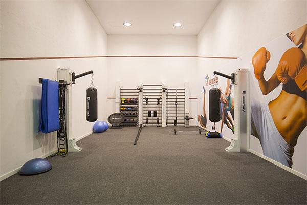 Queenax propone convertir espacios en desuso en salas de entrenamiento funcional