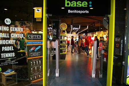 Base Benitosports reinaugura su tienda de Terrassa