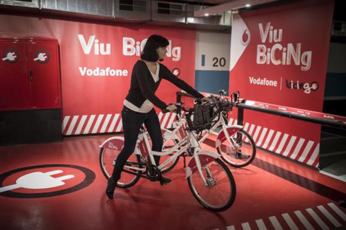 Barcelona estrena el Bicing eléctrico con 150 bicicletas