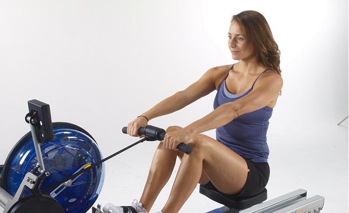 El remo es la actividad física que más calorías quema