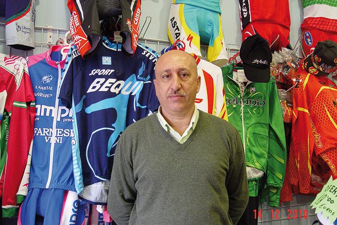 """Sport Bequi: """"Las tiendas de ciclismo siguen teniendo miedo a la ropa"""""""