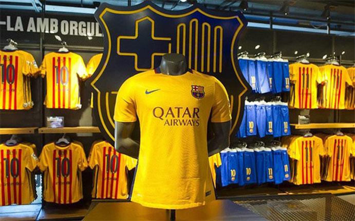 Se pone a la venta la segunda equipación del FC Barcelona - CMD Sport eb8495f1069