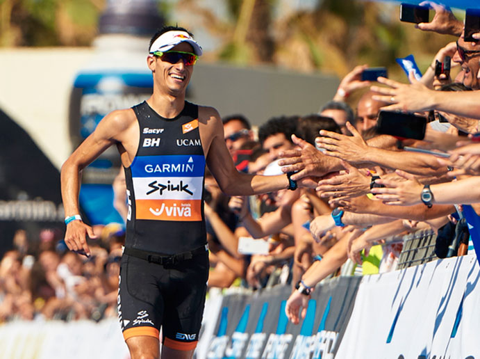 Mario Mola y Carolina Routier dominan el Garmin Barcelona Triathlon