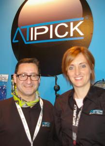 José Manuel Fernández, director comercial de Atipick, y Anna María Ramon, gerente de la citada firma.